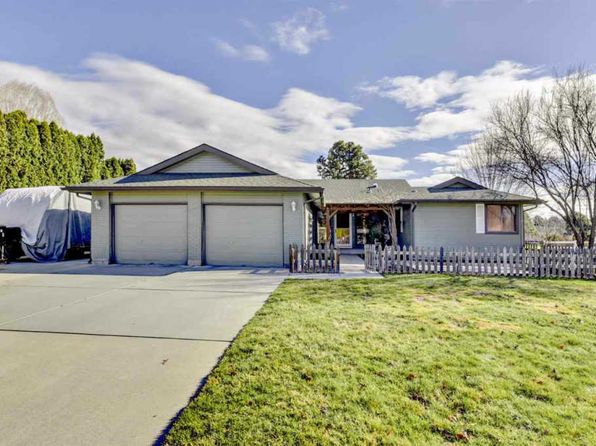 3 bed 2.5 bath Single Family at 944 N Edgewood Ln Eagle, ID, 83616 is for sale at 380k - 1 of 25