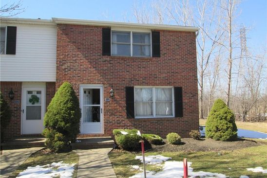 2 bed 2 bath Townhouse at 291 Wimbledon Ct West Seneca, NY, 14224 is for sale at 120k - google static map