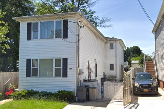 6 bed 3 bath Multi Family at 224 MIDLAND AVE STATEN ISLAND, NY, 10306 is for sale at 788k - google static map