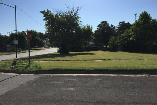 null bed null bath Vacant Land at 104 S Taylor St Pratt, KS, 67124 is for sale at 50k - google static map