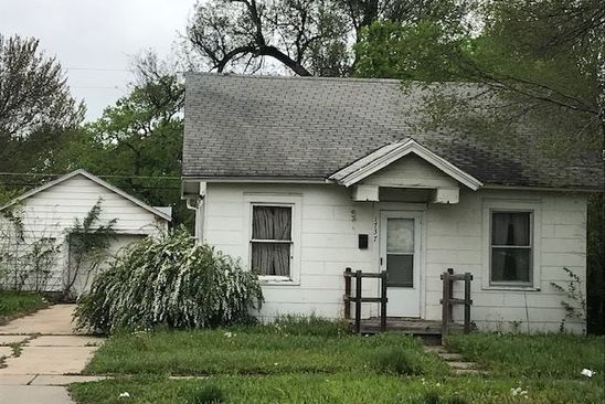 2 bed 1 bath Single Family at 1737 N Grove Ave Wichita, KS, 67214 is for sale at 30k - google static map