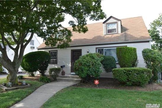 4 bed 1 bath Single Family at Undisclosed Address UNIONDALE, NY, 11553 is for sale at 349k - google static map