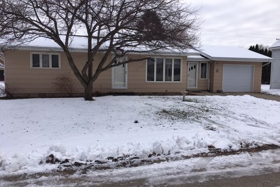 2 bed 1 bath Single Family at 221 Maple St Redgranite, WI, 54970 is for sale at 69k - google static map