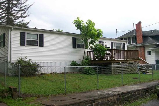 3 bed 2 bath Multi Family at 209 First St St Junior, WV, 26275 is for sale at 50k - google static map