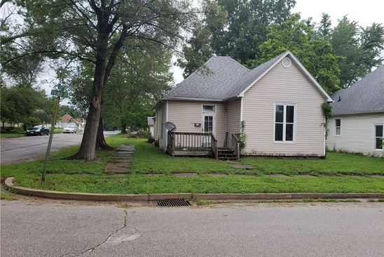 2 bed 1 bath Single Family at 218 W 3RD ST ELDON, MO, 65026 is for sale at 20k - google static map