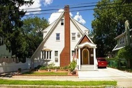 3 bed 2.5 bath Single Family at 809 LINDEN AVE NORTH BALDWIN, NY, 11510 is for sale at 405k - google static map