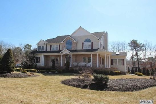 5 bed 4 bath Single Family at 190 SILAS CARTER RD MANORVILLE, NY, 11949 is for sale at 529k - google static map