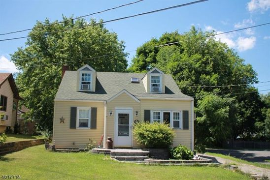 3 bed 2 bath Single Family at 6 RIDGEWOOD AVE NEWTON, NJ, 07860 is for sale at 189k - google static map