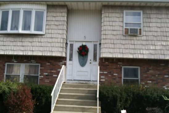 4 bed 2 bath Single Family at 5 ROSEWOOD AVE AMITYVILLE, NY, 11701 is for sale at 176k - google static map