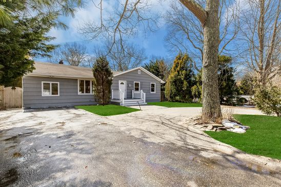 3 bed 3 bath Single Family at 66 SCHOOL ST HAMPTON BAYS, NY, 11946 is for sale at 569k - google static map