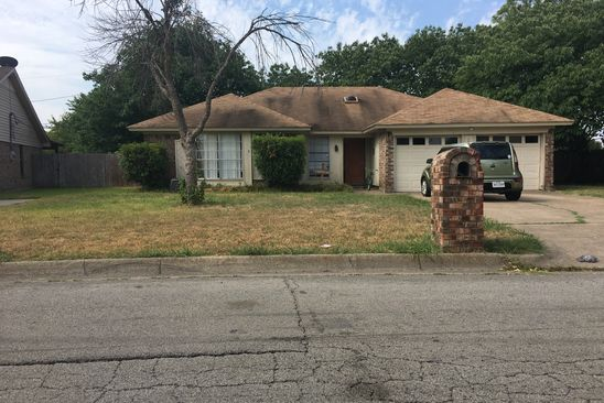 3 bed 2 bath Single Family at 1030 Kane St Benbrook, TX, 76126 is for sale at 133k - google static map