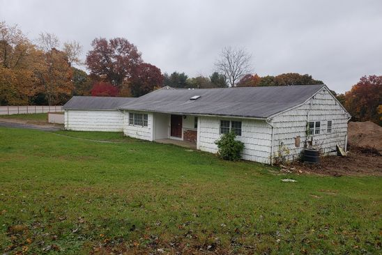 4 bed 3 bath Single Family at 14 Knell Ln Dix Hills, NY, 11746 is for sale at 950k - google static map