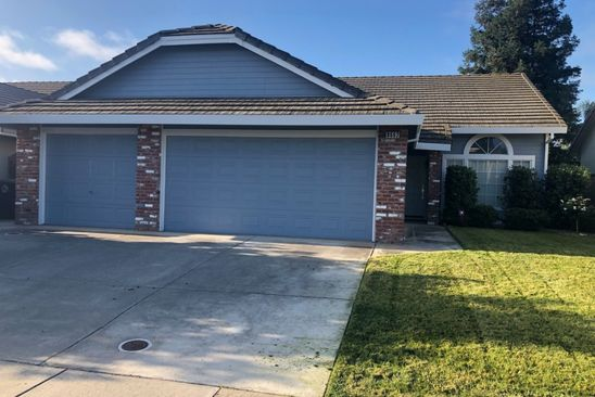 3 bed 2 bath Townhouse at 8662 Disa Alpine Way Elk Grove, CA, 95624 is for sale at 370k - google static map