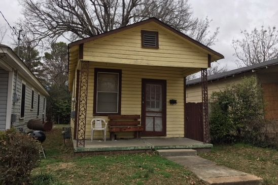 1 bed 1 bath Single Family at 114 Martin Luther King Greenwood, MS, 38930 is for sale at 10k - google static map