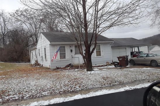 2 bed 1 bath Single Family at 911 N 5th St Elsberry, MO, 63343 is for sale at 25k - google static map