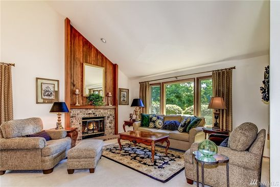 4 Bed 2 1/2 Bath At 25260 LAKE WILDERNESS COUNTRY CLUB DR SE MAPLE