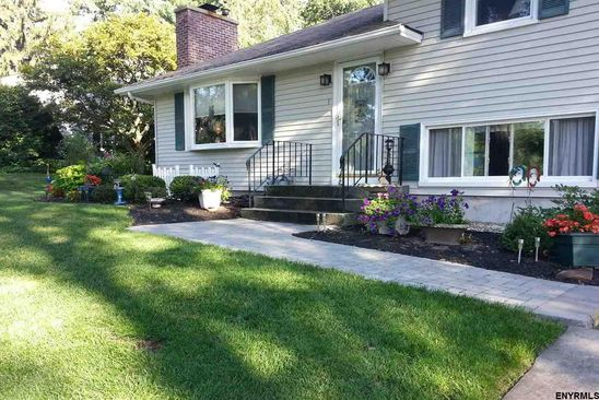 3 bed 1.1 bath Single Family at 1 KNOLLWOOD DR LATHAM, NY, 12110 is for sale at 250k - google static map