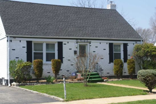 4 bed 3 bath Single Family at Undisclosed Address UNIONDALE, NY, 11553 is for sale at 295k - google static map