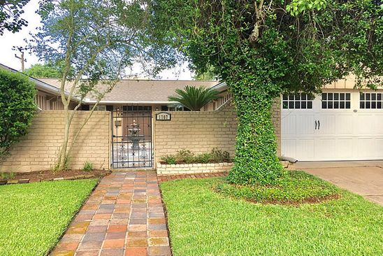 3 bed 2 bath Single Family at 1707 Driftwood Ln Galveston, TX, 77551 is for sale at 325k - google static map