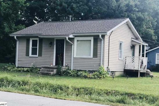 2 bed 1 bath Single Family at 3 Elaine Dr Taylors, SC, 29687 is for sale at 85k - google static map