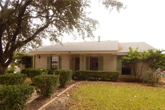 3 bed 2 bath Single Family at 858 OAKLAND ST GRAND PRAIRIE, TX, 75052 is for sale at 180k - google static map