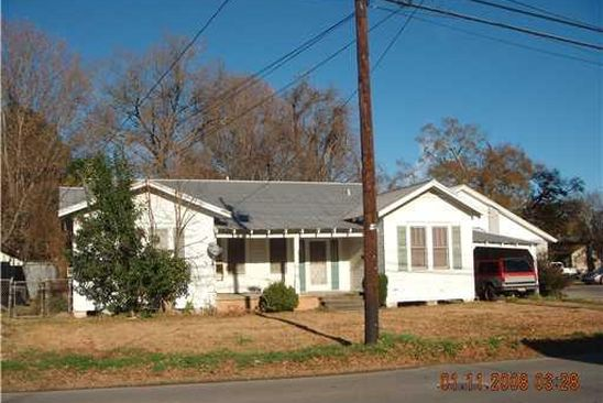 3 bed 2 bath Single Family at 303 E Mark St Marksville, LA, 71351 is for sale at 29k - google static map