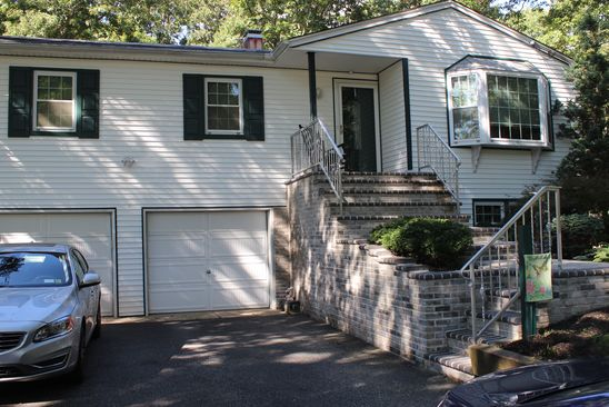 4 bed 2 bath Single Family at 33 ROSEVILLE AVE SAINT JAMES, NY, 11780 is for sale at 600k - google static map