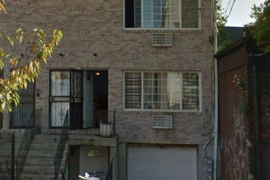 6 bed 3 bath Multi Family at 964 Glenmore Ave Brooklyn, NY, 11208 is for sale at 459k - google static map