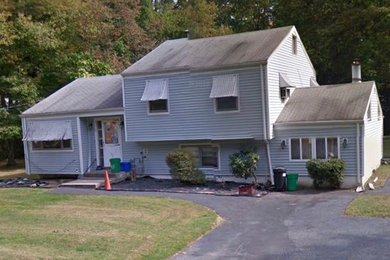 3 bed 1 bath Single Family at 40 Windmill Ln New City, NY, 10956 is for sale at 275k - google static map
