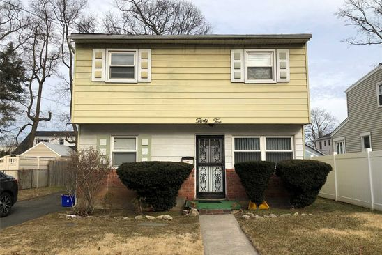 4 bed 1 bath Single Family at 32 WAGNER AVE ROOSEVELT, NY, 11575 is for sale at 300k - google static map