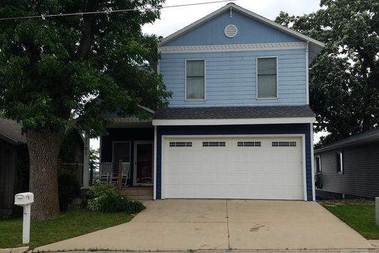 4 bed 4 bath Single Family at 2701 S LAKEVIEW DR CLEAR LAKE, IA, 50428 is for sale at 875k - google static map