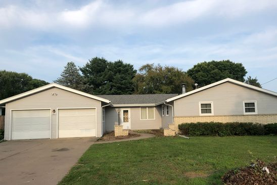 3 bed 3 bath Single Family at 1065 HOLLMAN ST PLATTEVILLE, WI, 53818 is for sale at 181k - google static map