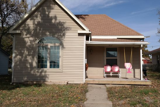 3 bed 1 bath Single Family at 317 W VALLEY ST SAINT JOSEPH, MO, 64504 is for sale at 67k - google static map