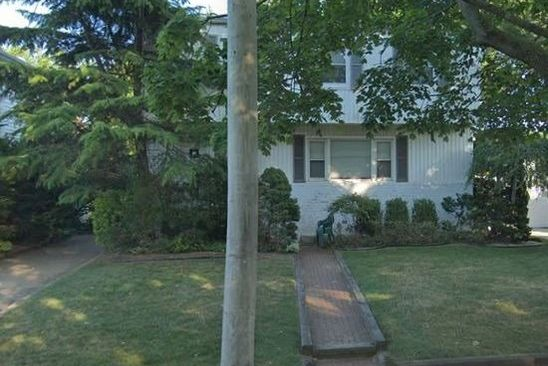 4 bed 3 bath Single Family at Undisclosed Address HEWLETT, NY, 11557 is for sale at 429k - google static map