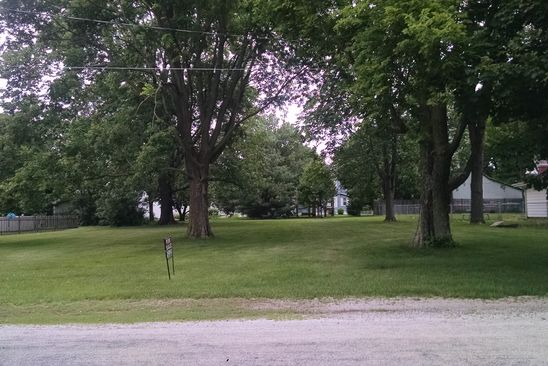 null bed null bath Vacant Land at 411 E Wall St Moweaqua, IL, 62550 is for sale at 18k - google static map
