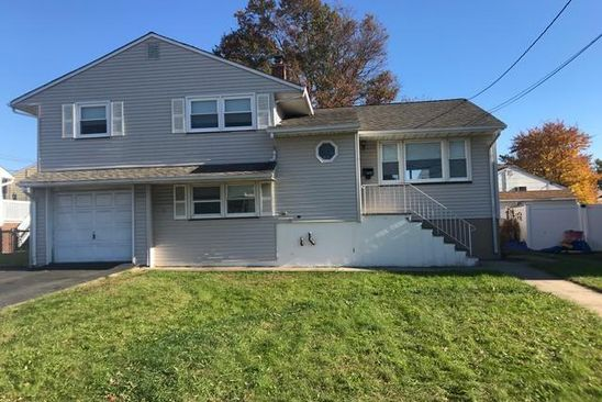 5 bed 2 bath Single Family at 32 JACKSON AVE CARTERET, NJ, 07008 is for sale at 300k - google static map
