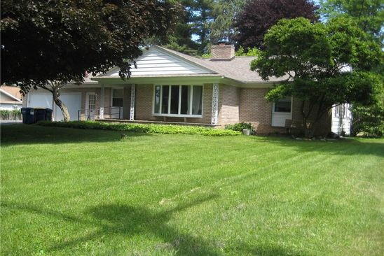 3 bed 3 bath Single Family at 114 MUNRO DR CAMILLUS, NY, 13031 is for sale at 230k - google static map