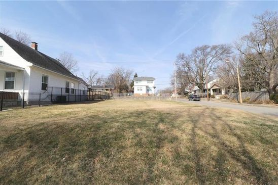 null bed null bath Vacant Land at 4402 Fairmount Ave Kansas City, MO, 64111 is for sale at 200k - google static map
