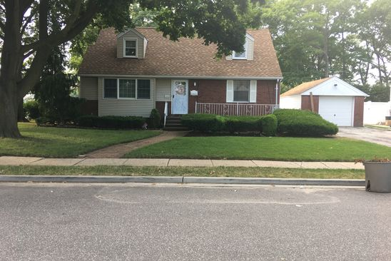 4 bed 2 bath Single Family at 1565 TULIP AVE MERRICK, NY, 11566 is for sale at 425k - google static map