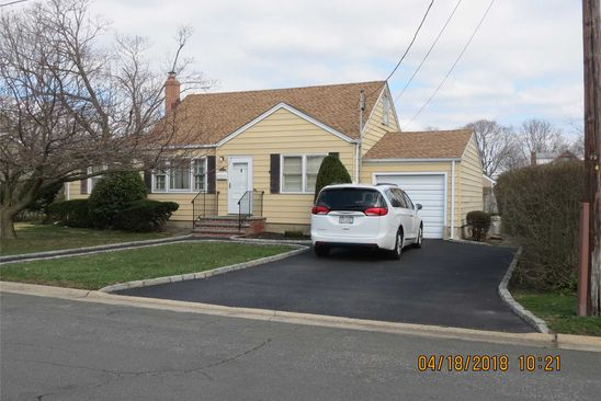 4 bed 2 bath Single Family at 810 12TH ST WEST BABYLON, NY, 11704 is for sale at 349k - google static map