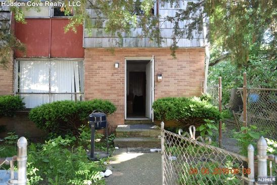 3 bed 1 bath Condo at 141 Godwin Ave Paterson, NJ, 07501 is for sale at 59k - google static map