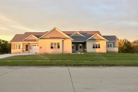 Cool 3100 W Covered Bridge Dr Lincoln Ne 68523 Realestate Com Home Interior And Landscaping Elinuenasavecom