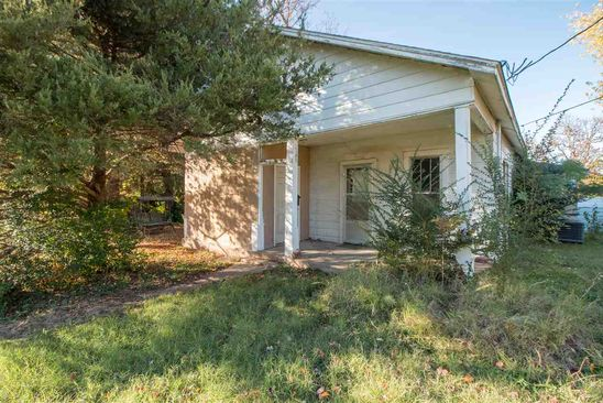 3 bed 0.75 bath Single Family at 955 Mary St Poplar Bluff, MO, 63901 is for sale at 12k - google static map