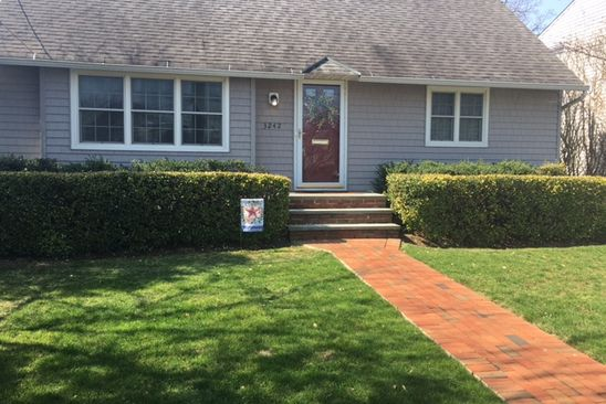 4 bed 2 bath Single Family at 3242 HAROLD ST OCEANSIDE, NY, 11572 is for sale at 529k - google static map