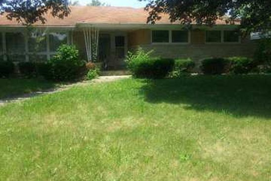4 bed 3 bath Single Family at 397 MILBURN AVE CRETE, IL, 60417 is for sale at 137k - google static map