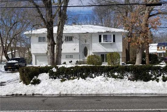 5 bed 2 bath Single Family at 561 SPUR DR N BAY SHORE, NY, 11706 is for sale at 215k - google static map