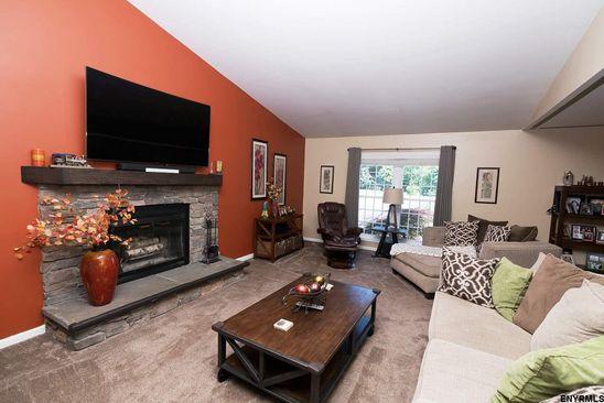 2 Roxbury Ct, Clifton Park, NY 12065 | RealEstate com