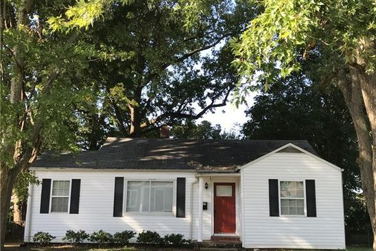 2 bed 1 bath Single Family at 400 MELBOURNE CT CHARLOTTE, NC, 28209 is for sale at 350k - google static map