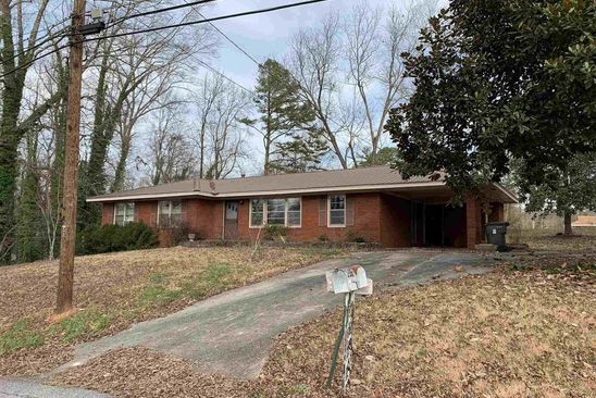 3 bed 2 bath Single Family at 199 Valley Dr Toccoa, GA, 30577 is for sale at 75k - google static map