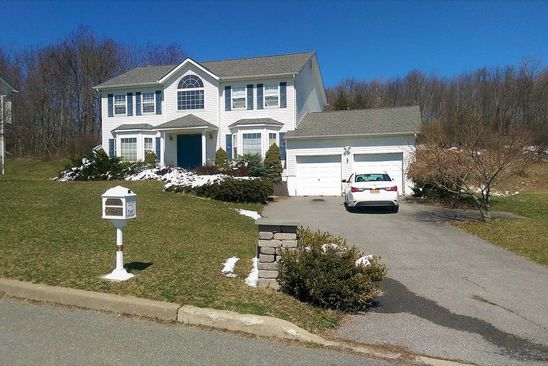 4 bed 3 bath Single Family at 108 ANNA CT MIDDLETOWN, NY, 10941 is for sale at 265k - google static map